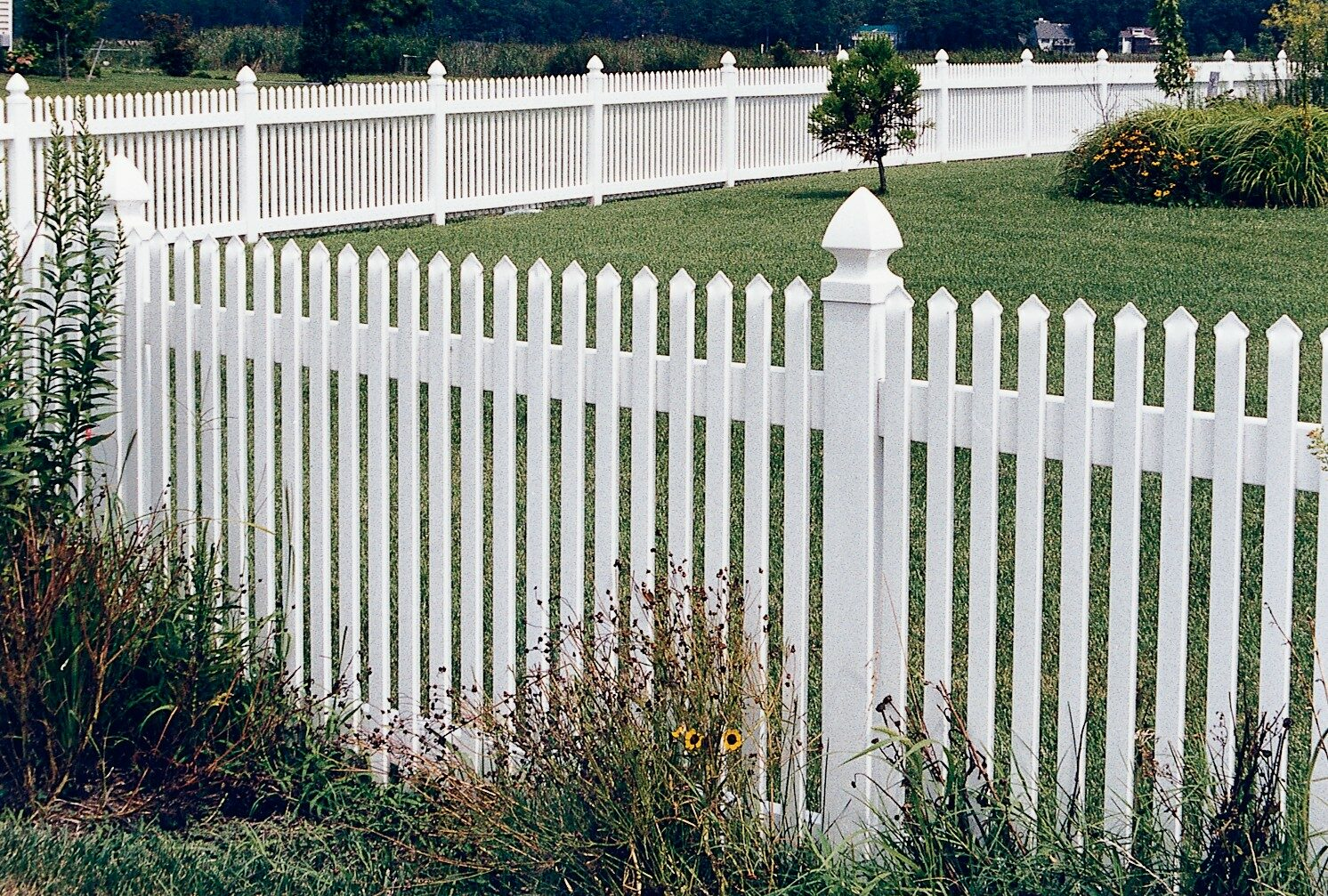 Georgetown Vinyl Picket Fence