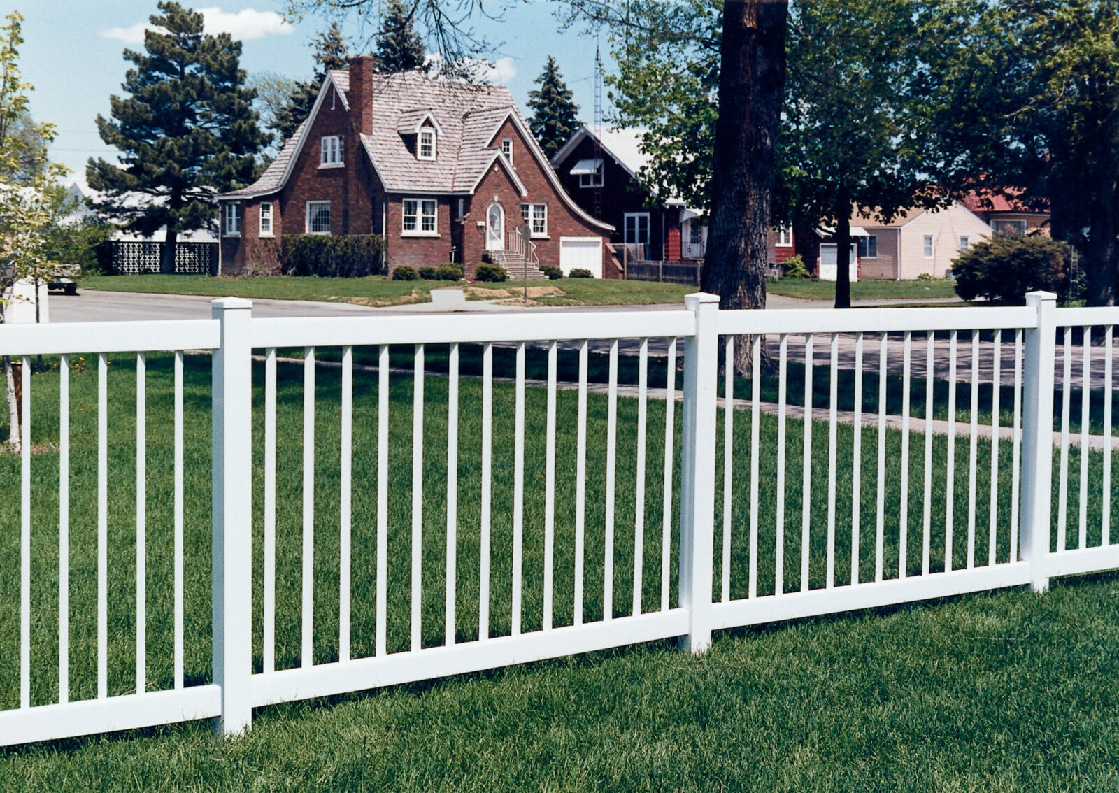 Pacific Diamond Picket Fence Picture