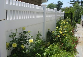 Montauk Point Straight Vinyl Fence Picture